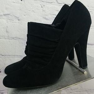Nine West black heel ankle boots. Size 8.5